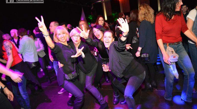 17-02-04 Ü30 Party in der Sparkassen Arena
