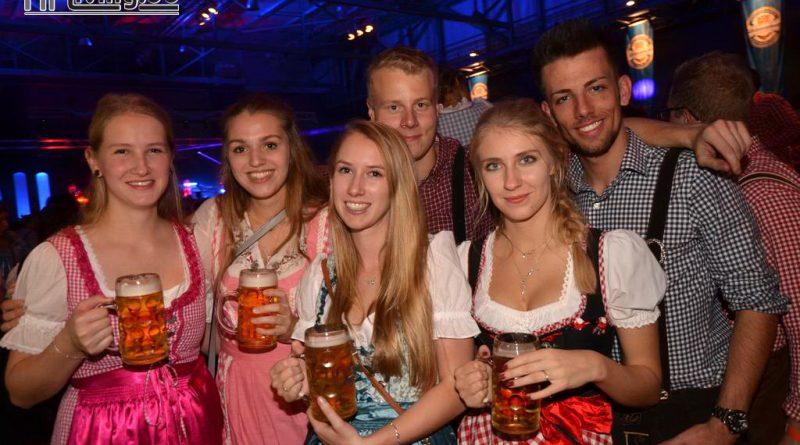 """17-10-14 Oktoberfest am Samstag mit """"Die Büddenbacher"""" – Halle 39"""