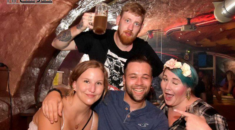 18-08-03 Die 1,- Euro Party im Old Inn